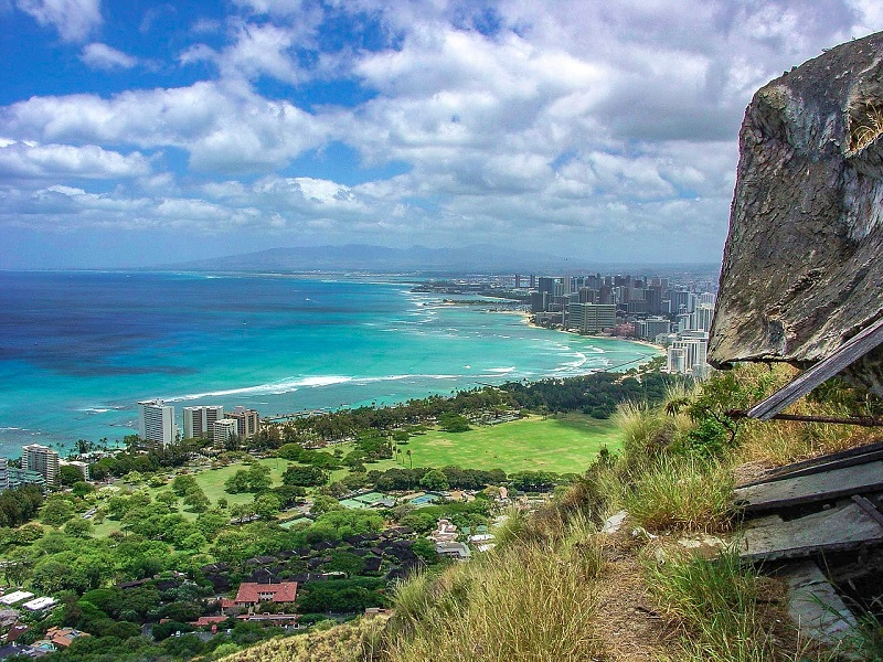 Traveling to Hawaii for a Destination Wedding